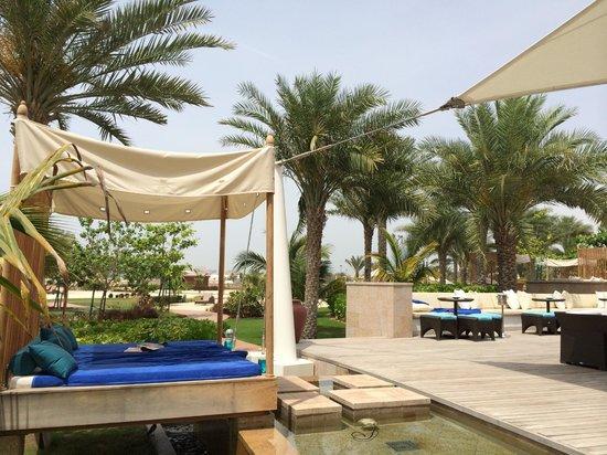 The Ritz-Carlton, Dubai : ERWACHSENENPOOL BEREICH