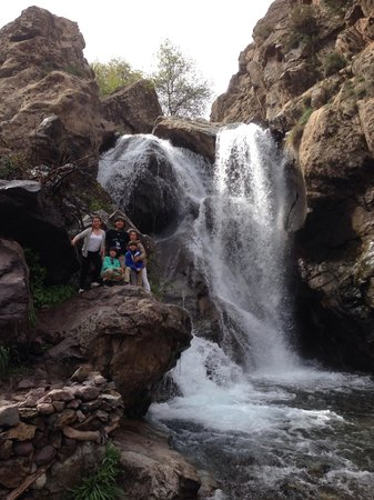 Riad Jnane Imlil : Tip of the waterfall. There is fresh orange juice and tagine cafe!!