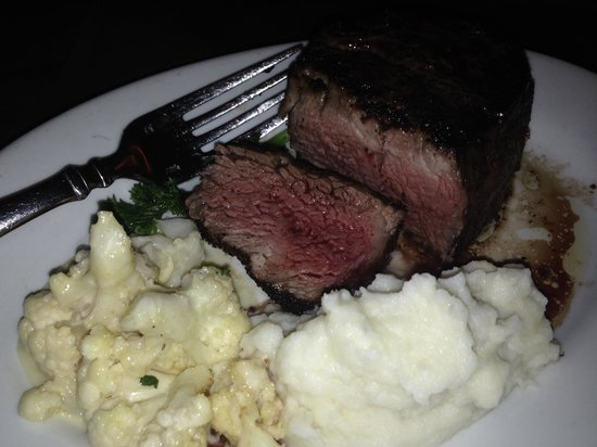 Cameron's Steak House: Perfect filet