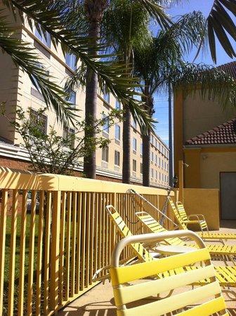 La Quinta Inn Orlando - Universal Studios: vista desde afuera