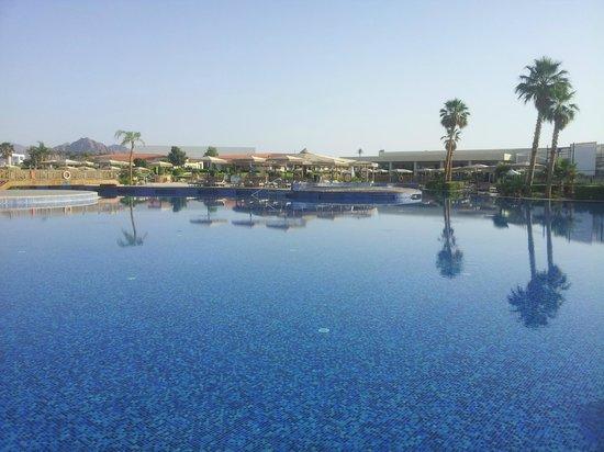 Maritim Jolie Ville Royal Peninsula Hotel & Resort: Бассейн