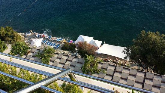 Hotel More : sea bar