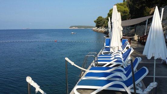 Hotel More: sea swimming