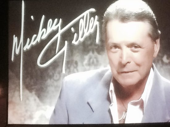 Mickey Gilley Theatre: 17 Number One Hits, 39 Top Ten Hits