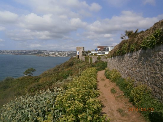 Devonshire Hotel: View from the coastal walk