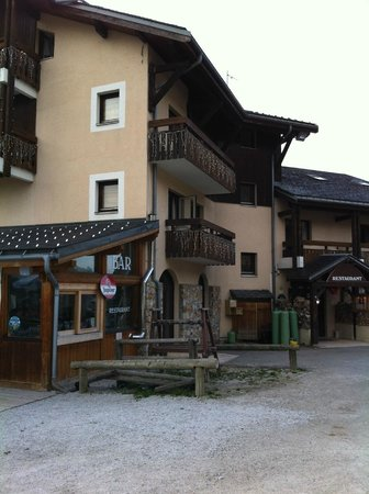 Alp Hotel : voorgevel hotel