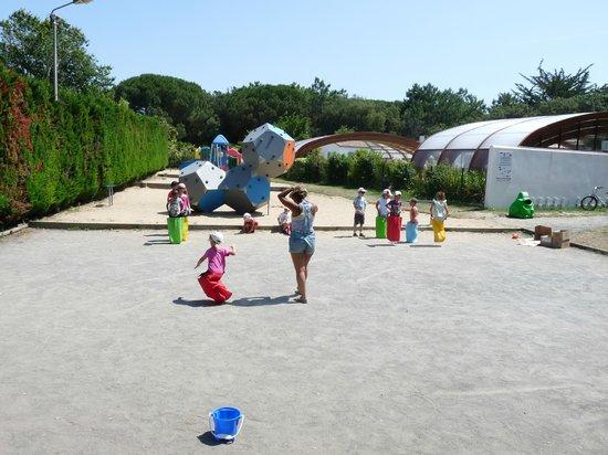 La Grainetiere Camping : L'aire de jeux