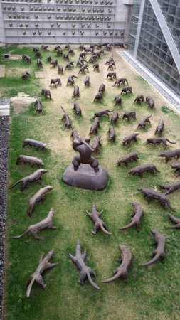 Hotel Eclat Beijing: My favourite exhibit #attackedbywolves