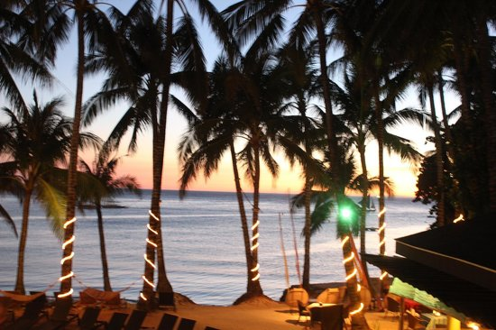 Microtel Inn & Suites by Wyndham Boracay: Sunset from the room