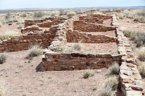 Painted Desert : Pueblo ruins