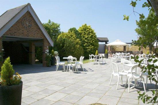 Brackenborough Hotel: Private terrace area outside the Signature Suite