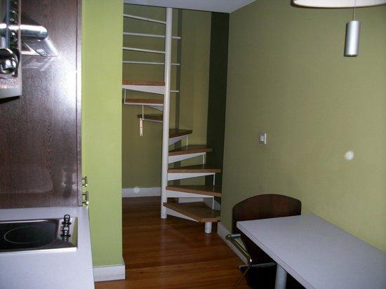 MAS Residence: escalera a cocina