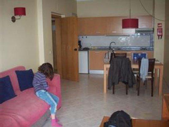 Alagoamar Aparthotel: Salón-Cocina del Apartamento