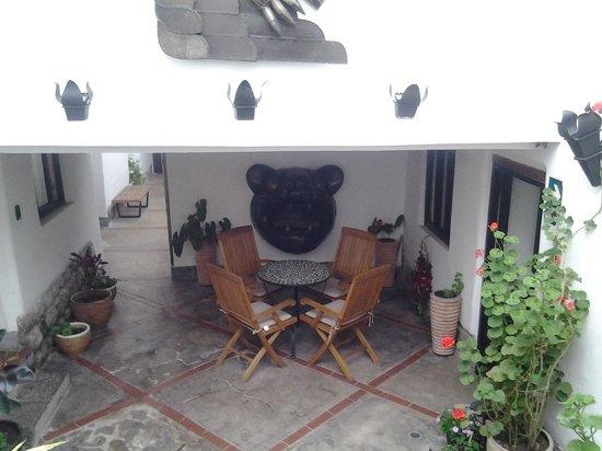 Second Home Cusco: outdoor area very cozy