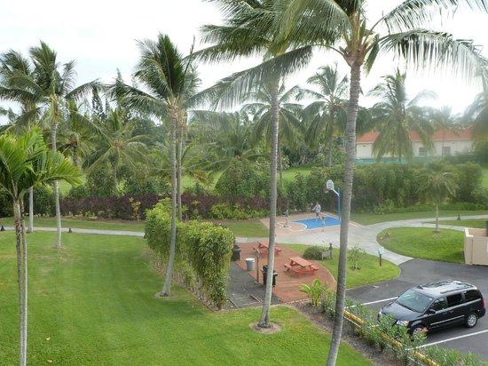 Kona Coast Resort: grounds