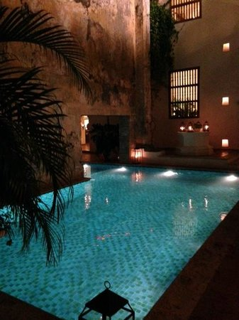 Hotel Casa San Agustin: Pool in the evening