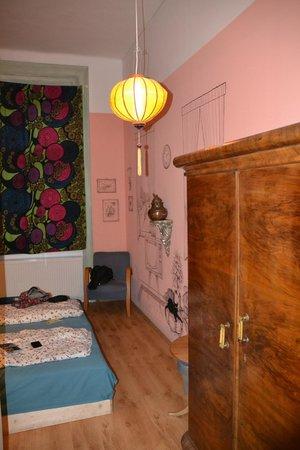 Lavender Circus Hostel: camera3