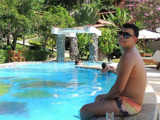Hotel Portalo: Piscina