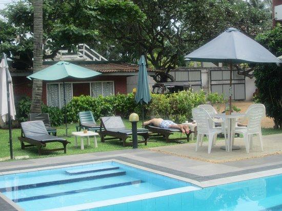 Ranveli Beach Resort : Pool area