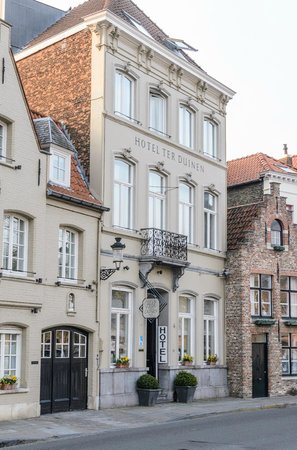 Hotel Ter Duinen: Hotelfassade