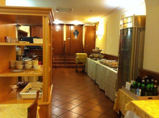 Hiberia Hotel : Sala colazione