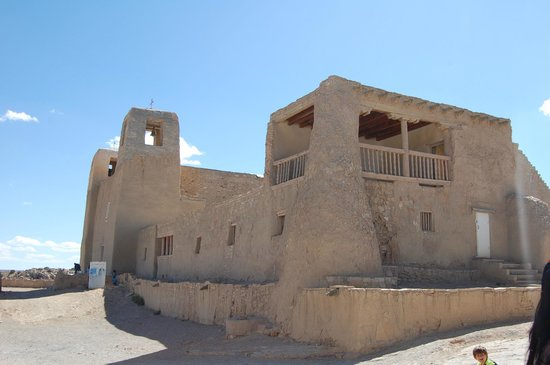 Sky City Cultural Center & Haak'u Museum: Mission in Acoma