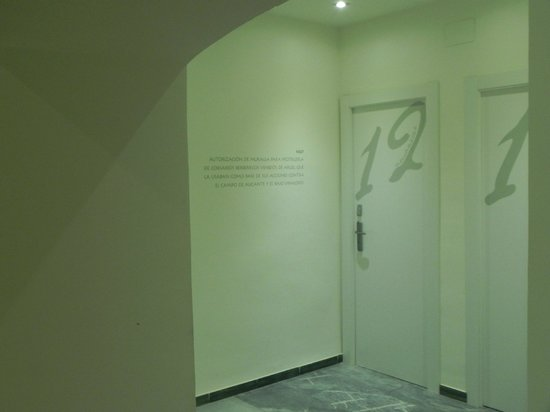 Hotel Boutique Isla de Tabarca: Mas inscripciones en las paredes