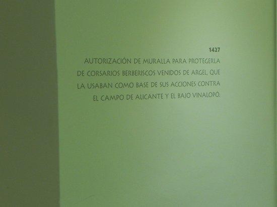 Hotel Boutique Isla de Tabarca: Algunas inscripciones en las paredes del hall, curiosas
