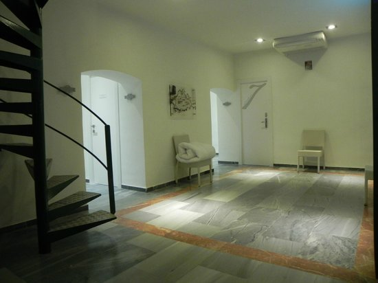 Hotel Boutique Isla de Tabarca: Escalera para subir a la suite