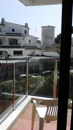 Hotel da Aldeia: early morning (therefore quiet) view