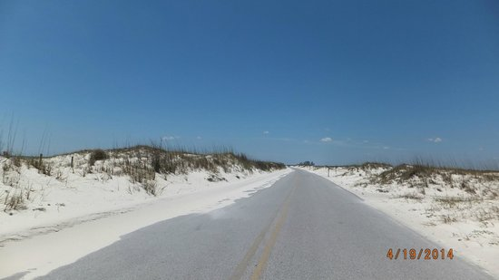 Gulf Islands National Seashore - Florida District: road going through the park
