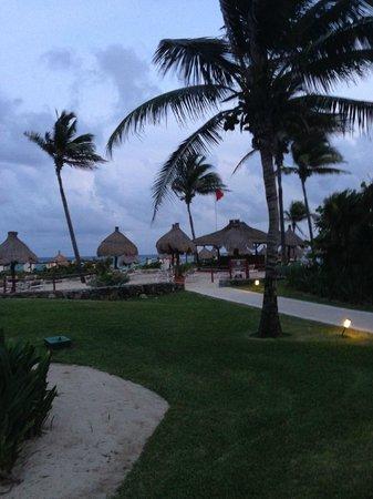 Grand Bahia Principe Tulum : plage & palapas