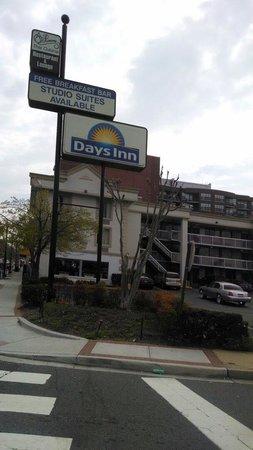 Days Inn Arlington Pentagon: Lindo, barato y bien ubicado