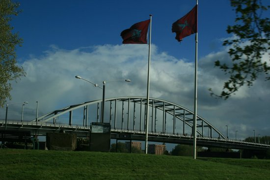 "History Trips : The ""bridge too far"" at Arnhem"