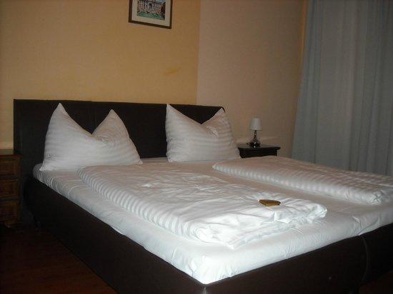 Hotel Casa d'Oro Luciani: Camera