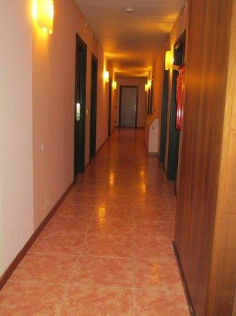 Crocioni Hotel Rizzi: Corridoio camere primo piano