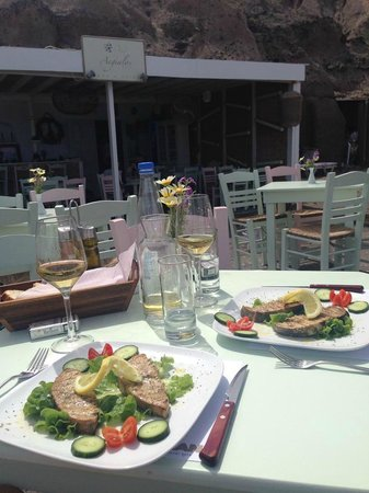 Yalos: swordfish fillet