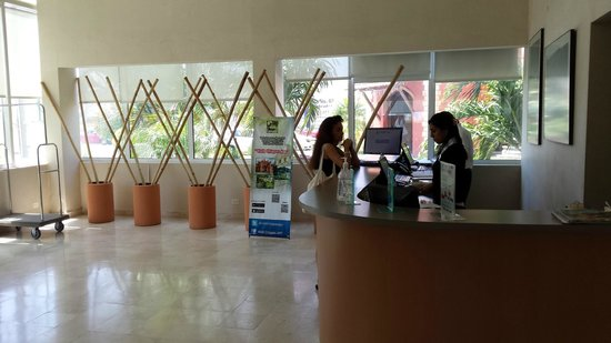 City Express Tuxtla Gutierrez: Лобби