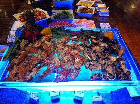 Outrigger Laguna Phuket Beach Resort: Seafood