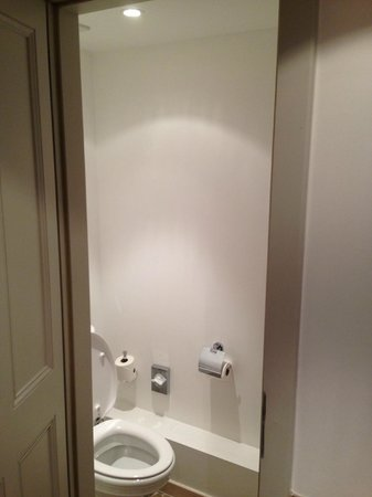 Hotel Cour du Corbeau Strasbourg - MGallery Collection: Toilet