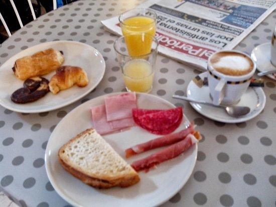 Hostal Horta Rosell: Desayuno