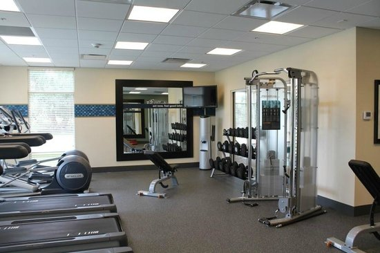 Hampton Inn & Suites Rochester / Henrietta: Extensive fitness center