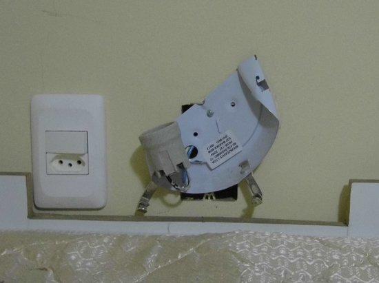 Boulevard Bed & Breakfast: plug socket over a childs bunk bed