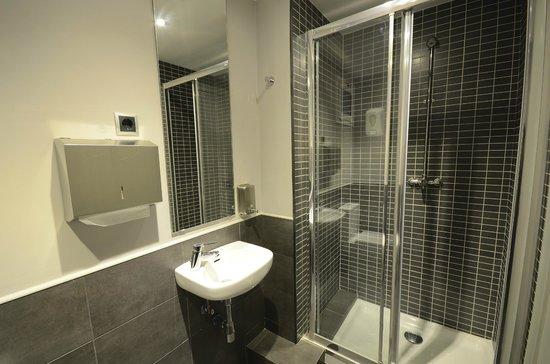 Free Hostels: baño