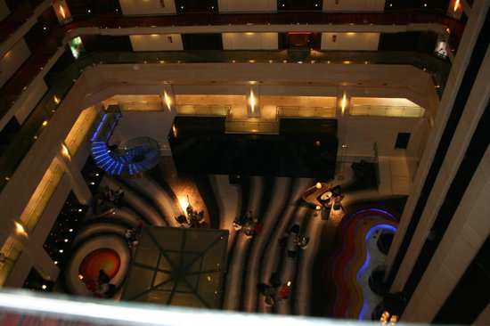 Le Meridien New Delhi : view looking down to the lobby from the 11th floor