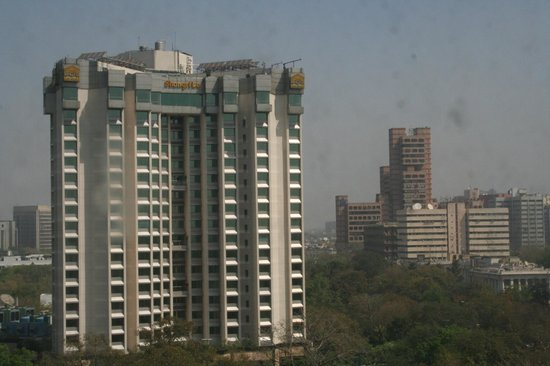 Le Meridien New Delhi: View of Shangrila Hotel