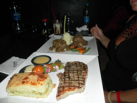 Xperience St. George Homestay: Food at the Little Buddha in Nama Bay