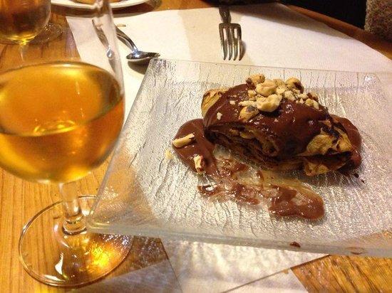 Restaurante El Molín de la Pedrera: Crêpe de avellanas y chocolate + diamante de sidra
