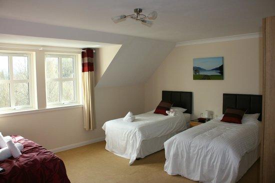 Rose Cottage: lits doubles face au grand lit