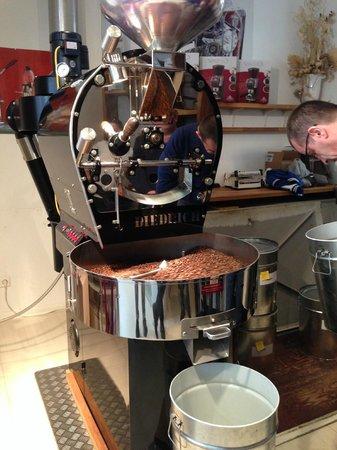 Berlin Food Tour: Artisan coffee roaster